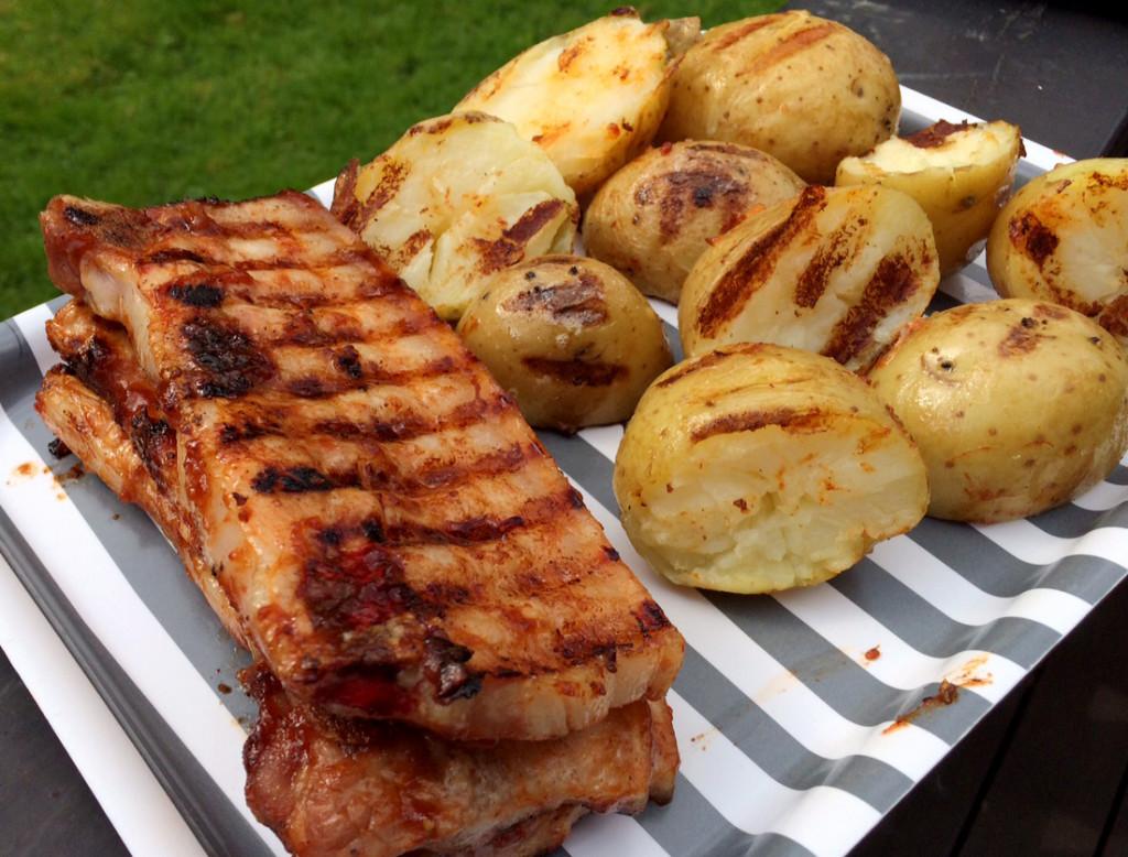 Barbeque-saus med cola, løk og hvitløk gir en søt og digg grillopplevelse